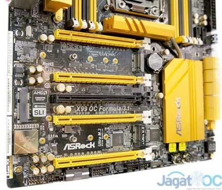 Jumlah slot PCI-E yang diberikan sampai dengan 5! Sehingga motherboard ini mendukung penggunaan multi VGA sampai dengan 4 buah