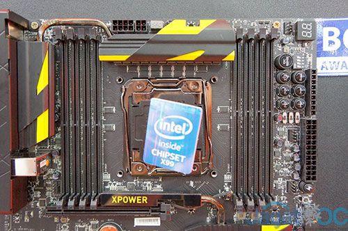 Susunan komponen disekitar CPU